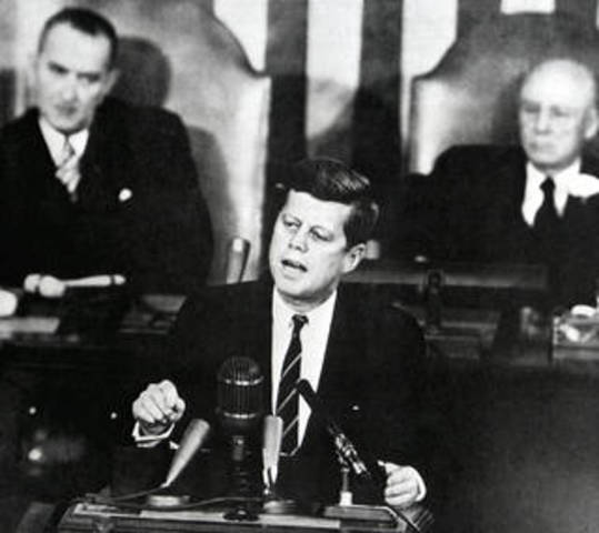 Kennedy Pledges to Support Space Program