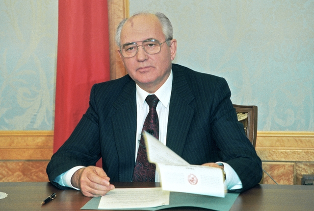 Gorbachev Resigns as President
