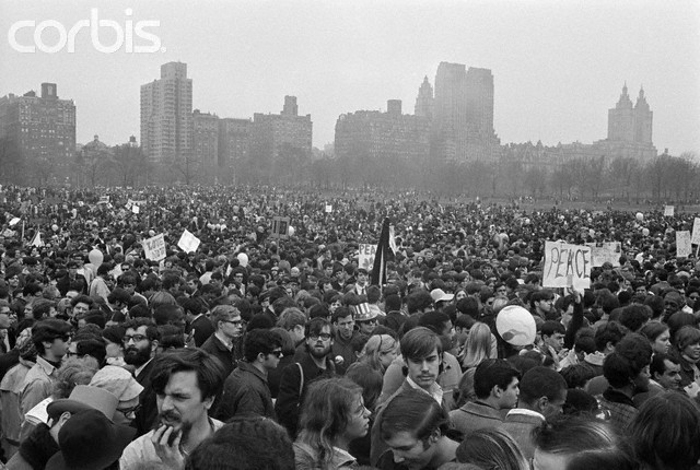 War protests, 400,000 march from Central Park