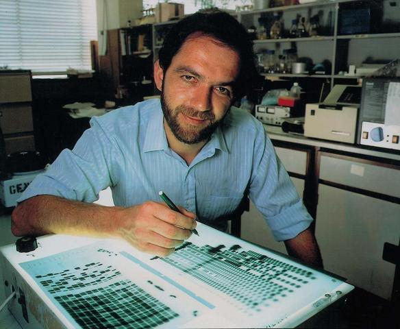 Alec Jeffreys devised a genetic fingerprinting method.