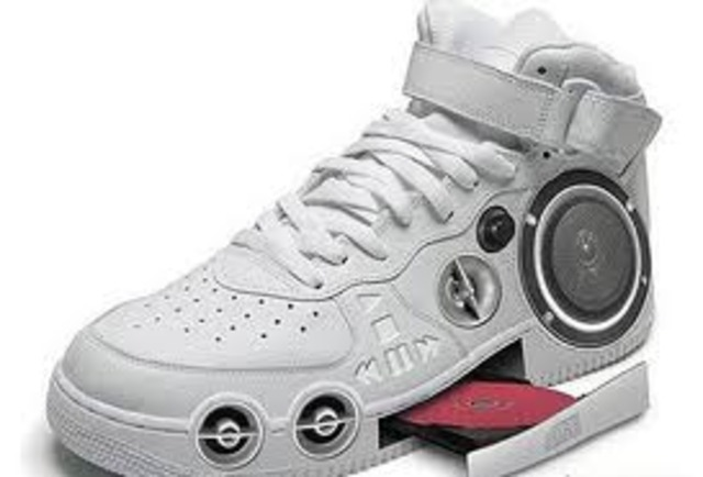 CD Player Shoe