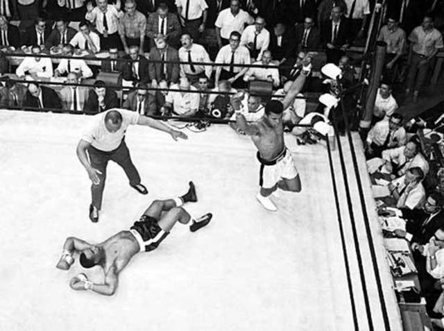 Muhammad Ali defeats Sony Liston in Heavyweight title