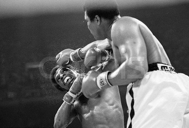 Muhammad Ali reclaims heavyweight title from Leon Spinks