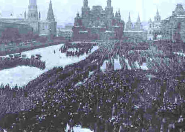 what challenges faced the tsar nicholas The tsar's failure to address the problems of russia russia faced a revolution in 1905 through a what reaction did tsar nicholas ii have to the unrest of.