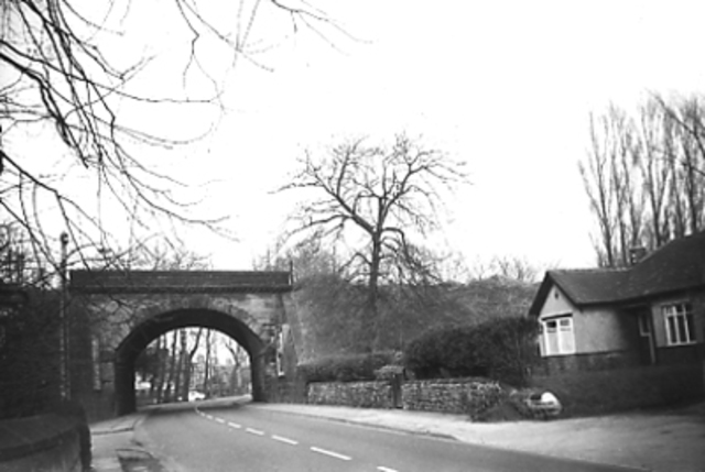 Archway Road built with new railway bridge – level crossing at Derby Road later abandoned