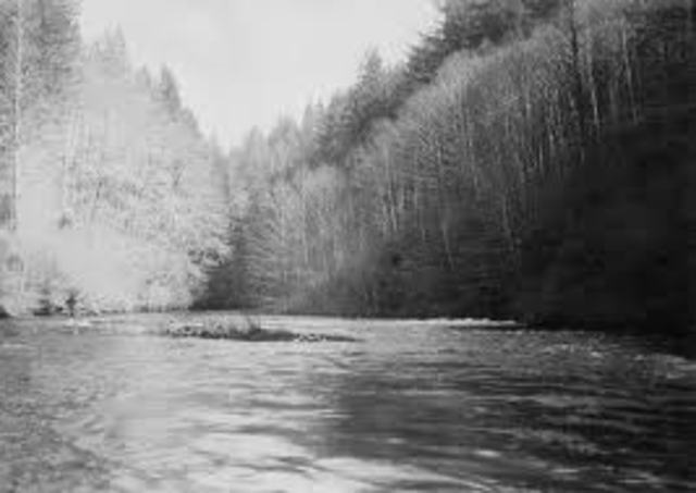 The Boggs Company reaches the Little Sandy River,