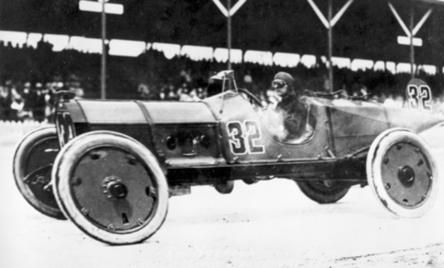 First ever Indianapolis 500 is staged; Ray Harroun is the first winner