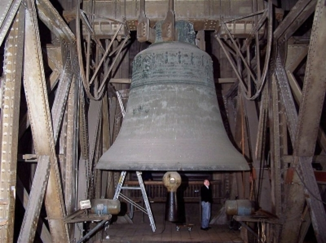 Paul forms a bell ringers society