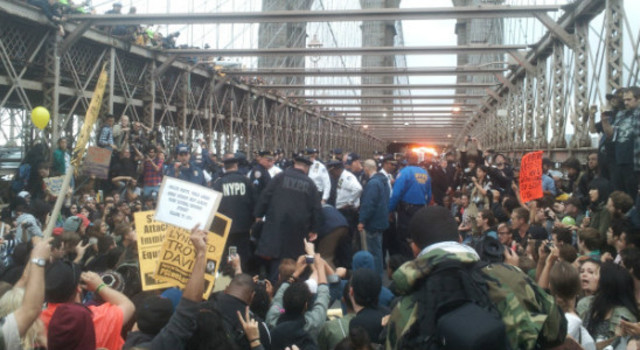700 arrested on Brooklyn Bridge