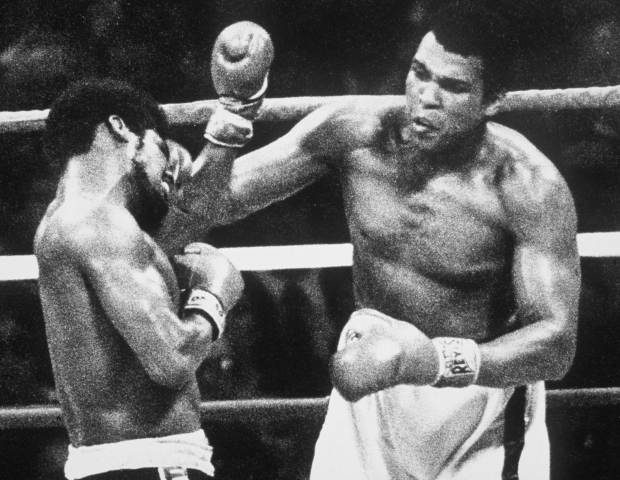 Muhammad Ali wins the world heavyweight championship