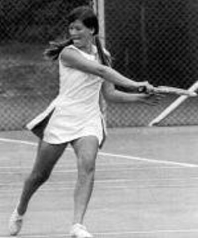 Tennis pro tells Sally Ride to leave college