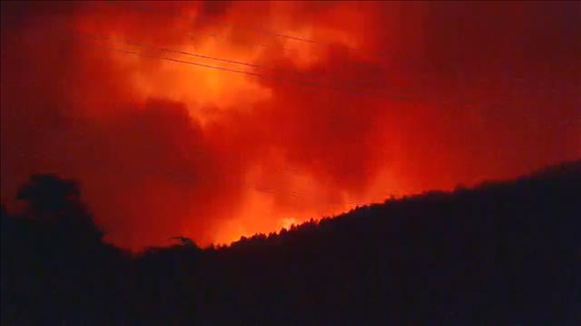 10:52 p.m. -  High Park Fire grows to 8,000 acres