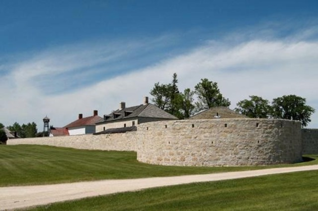 Lower Fort Garry Construction Begins (The Prairies)