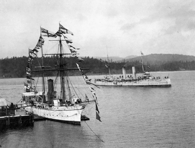 Laurier Creates the Naval Service Bill (Eastern Canada)