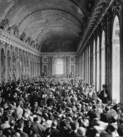 an analysis of the end of world war one and the preview of the treaty of versailles The treaty of versailles was signed on june 28, 1919, in the hall of mirrors in the palace of versailles, france it was a peace treaty signifying the end of the first world war between the triple alliance and triple entente it was enforced on january 10, 1920 for more information on the treaty of versailles read the fact file below or download our.