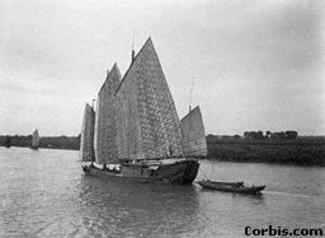 chinese boat 1100 AD