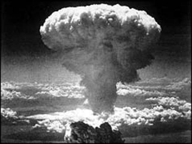 The United States drops an atomic bomb on Nagasaki.