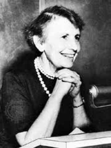 Anna Freud is born
