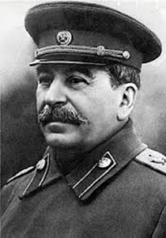 Stalin signed nonaggression pact to declare communist Russia and Germany