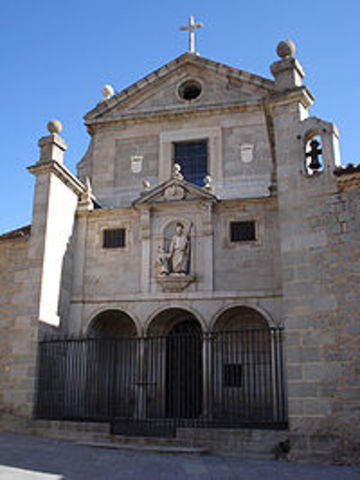 Founds St. Joseph's in Avila