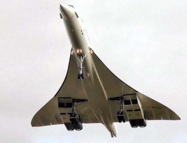 Concorde crashes in France, killing 113 people