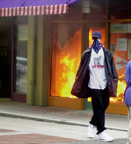 the cincinnati riots of 2001 essay At 8pm a fight between a single asian youth and a white youth broke out at good taste chip shop on the corner of salford street and roundthorn road in goldwick and led to a hasty gang of white youths forming via social networking -further violence erupted when a gang of white men attacked [].