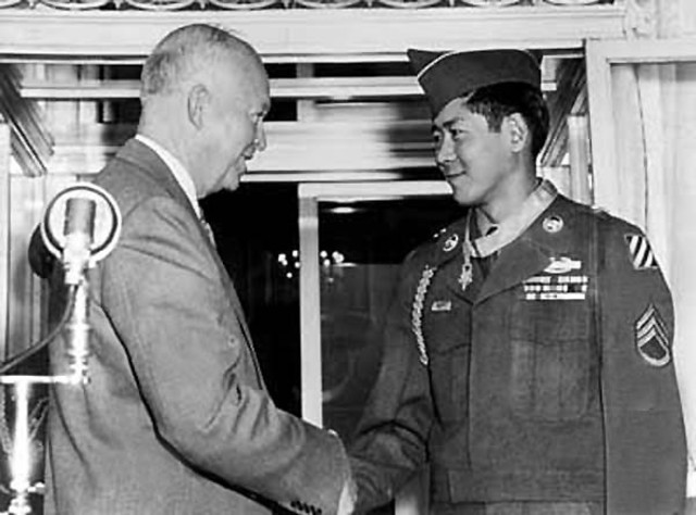 "eisenhower gave korean armistice speech to end war History of veterans day world war i is generally regarded as the end of ""the war to end all wars president eisenhower signing hr7786, changing armistice."