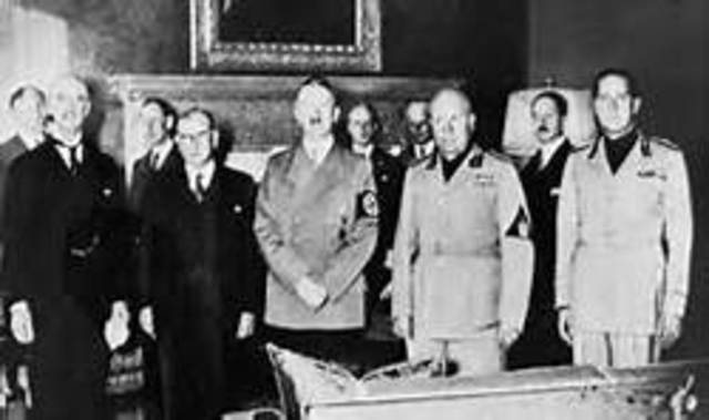 appeasement wwii Neville chamberlain and norway: the trouble with 'a man of peace' in a time of war new england journal of history (2013) 69#1/2 pp 1-18 stewart, graham (2000.