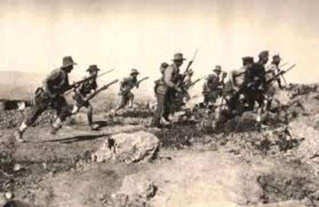 compare contrast ww1 ww2 essay In ww2 the us started with a military that was smaller than the country of belgium following ww1 the us returned to a nation that was neutral in its involvement with foreign affairs in 1941 the us began to mobilize and eventually produced a military of 22 million troops and ended the war as one of two super powers.