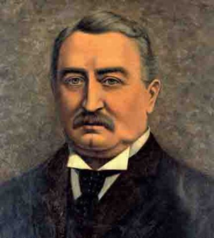 Cecil Rhodes arrives in SA