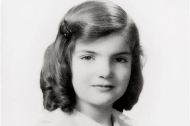 Jacqueline Lee Bouvier is born.
