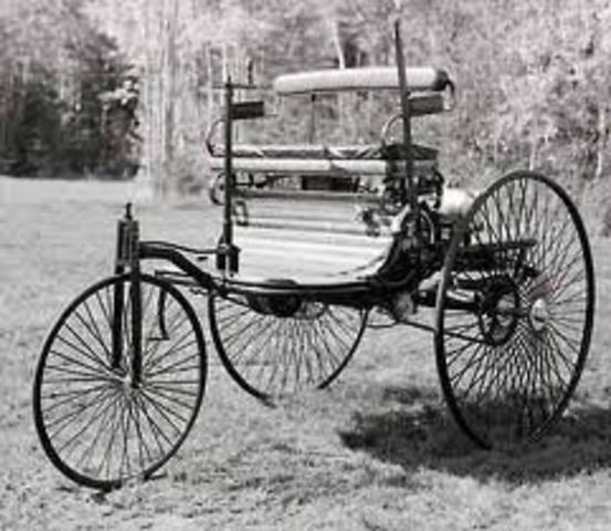 Invention of the first car to use internal combustion engine