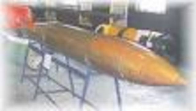 Robert Whitehead invents the self-propelled torpedo