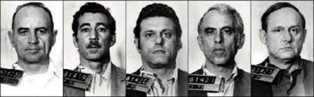 Watergate burglars indicted