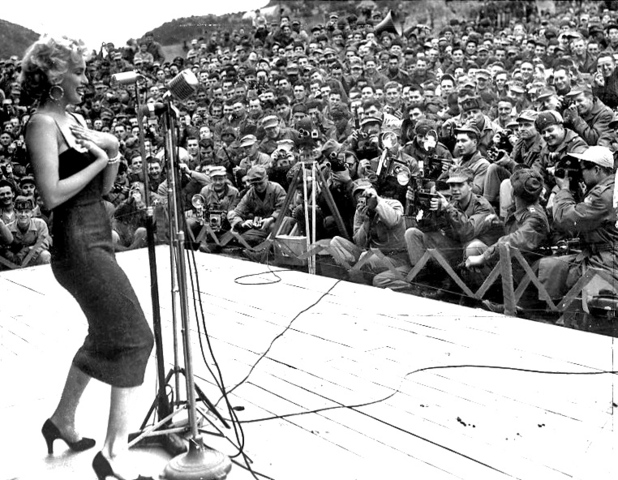 Marilyn Monroe Performs in Korea