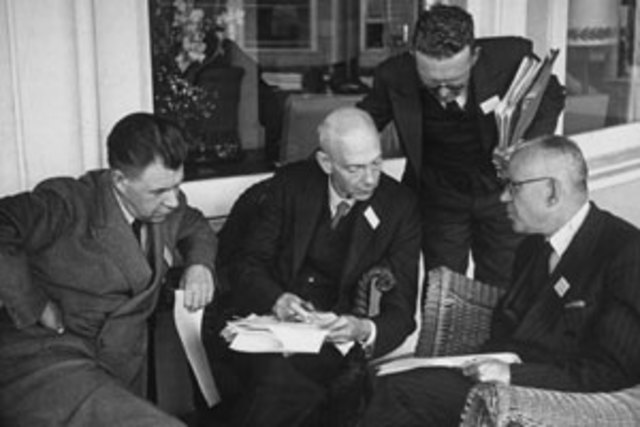a history of the creation of general agreement on tariffs and trade After wwii, the us & other nations established the general agreement on tariffs & trade (gatt) in 1947 the gatt was designed to: - gradually eliminate barriers to.