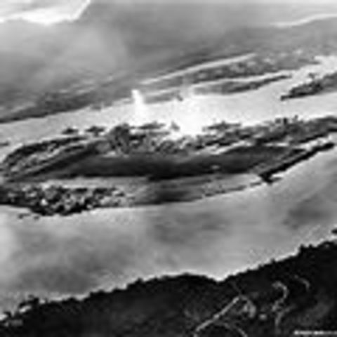 the bombing of pearl harbor and how it forced the relocation of japanese american in the united stat The united states placed japanese americans into internment camps during  world  after the surprising attack on pearl harbor, the american government (as .