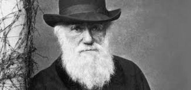 Darwin wrties paper and prrestend it to Zoological Soceity