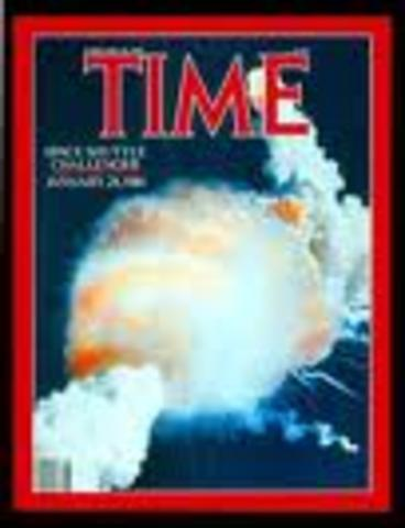 (2) The space shuttle Challenger explodes