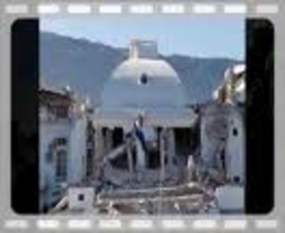 (6) Earthquake rocks Haiti, over 200,000 feared dead