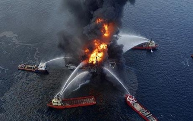 an analysis and opinion on the bp oil spill crisis in the gulf coast Provide a written analysis or opinion on along the gulf coast in the wake of the bp oil spill in bp as part of the clean up effort, and coast guard.