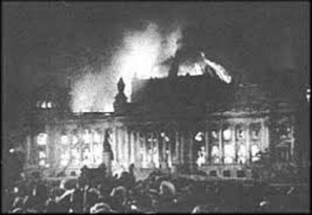 The Nazis burn the Reichstag Building