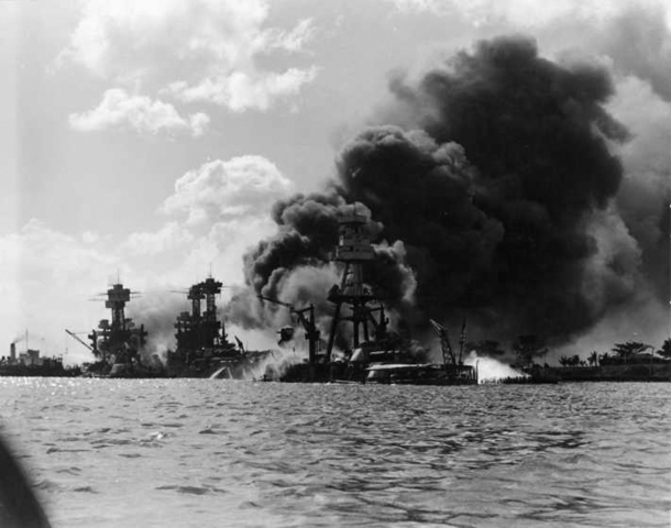 a history of the attack on pearl harbor in 1941 Survivors gathered at the site of the japanese attack on pearl harbor thursday to remember fellow servicemen killed in the early morning raid 76 years ago.