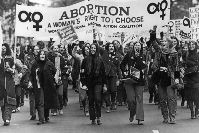 "an analysis of the 1973 united state supreme court roe versus wade decision Summary of roe v wade 1973 decision, the supreme court ruled that women had a the court held that a state ""has authority to make a value judgment."