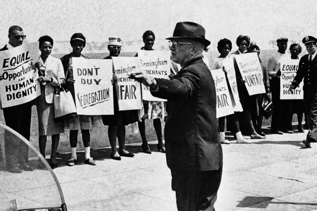 an introduction to the timeline of the american civil rights movement in the united states Chicano movement, a nationwide campaign during the 1960s and after unlike the african american civil rights movement siders that mexican americans and other latinos/as in the united states introduction / 3.