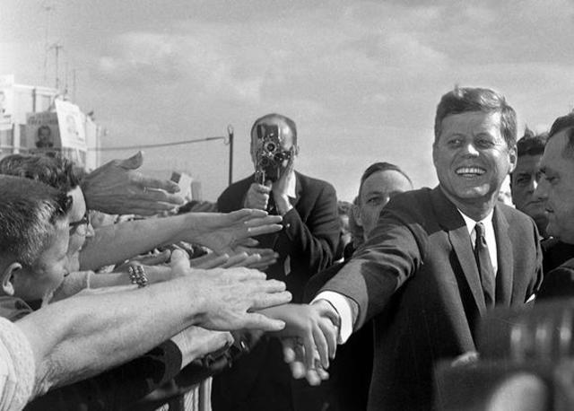 analysis of president kennedys cuban missile crisis speech essay Cuban missile crisis- review on events of important history the world was on the edge of nuclear war with the cabin missile crisis the cuban revolution, bay of pigs, blockade or quarantine, and the cold war.