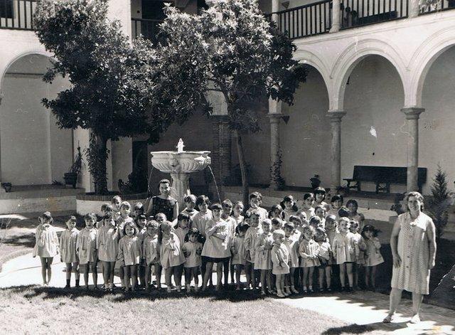 Ni ez timeline timetoast timelines for Colegio sagrada familia malaga ciudad jardin