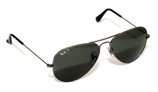 Aviator sunglasses (135)