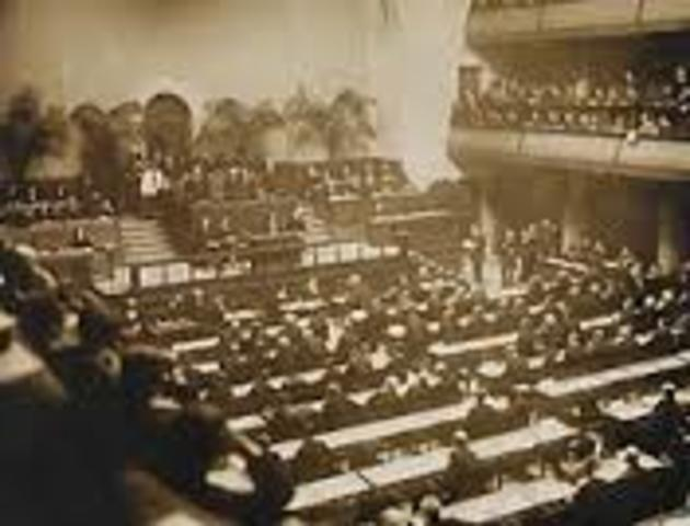first meeting of the League of Nations takes place