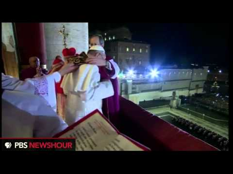 Watch Pope Francis I Make His First Appearance thumbnail